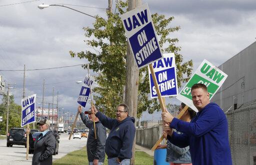 UAW-GM Talks Progress But Wage, Job Security Issues Remain