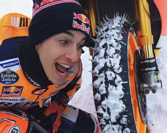 マルケス RC213V でスキー場を走る!