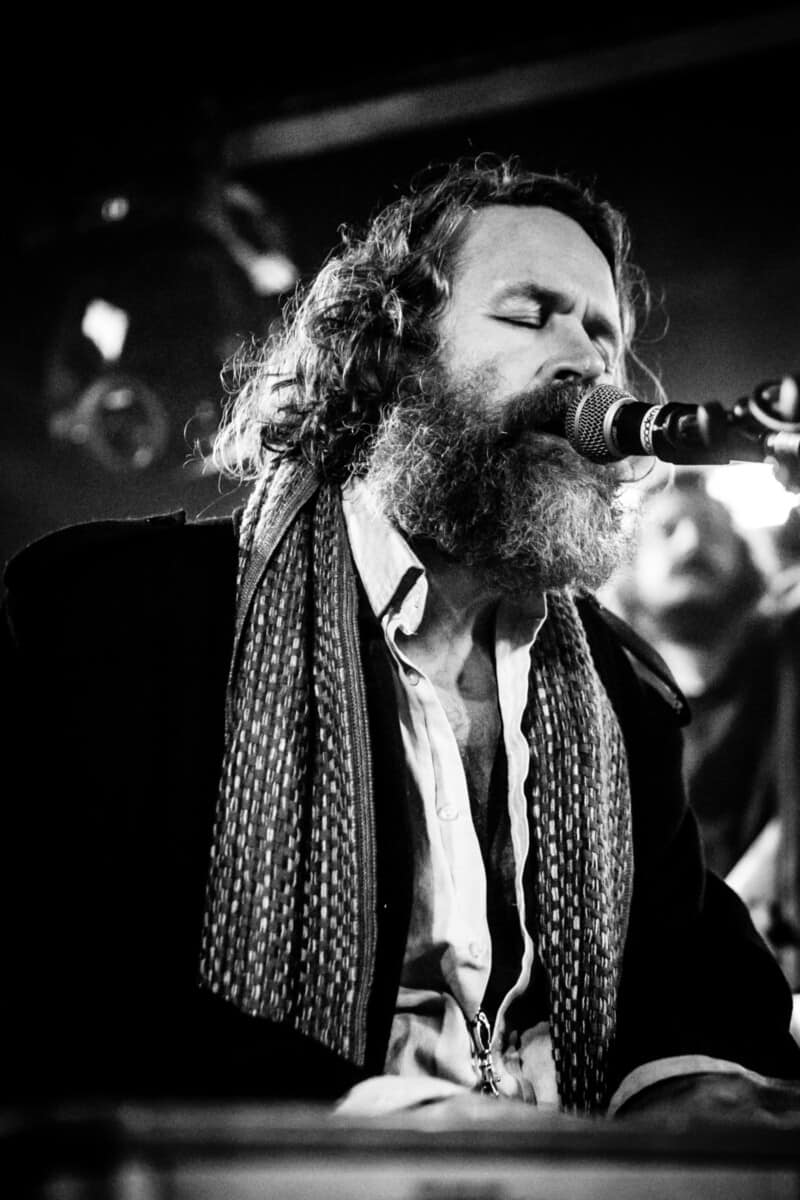 hothouse flowers (Liam O'Maonlai) 2 (1 of 1)