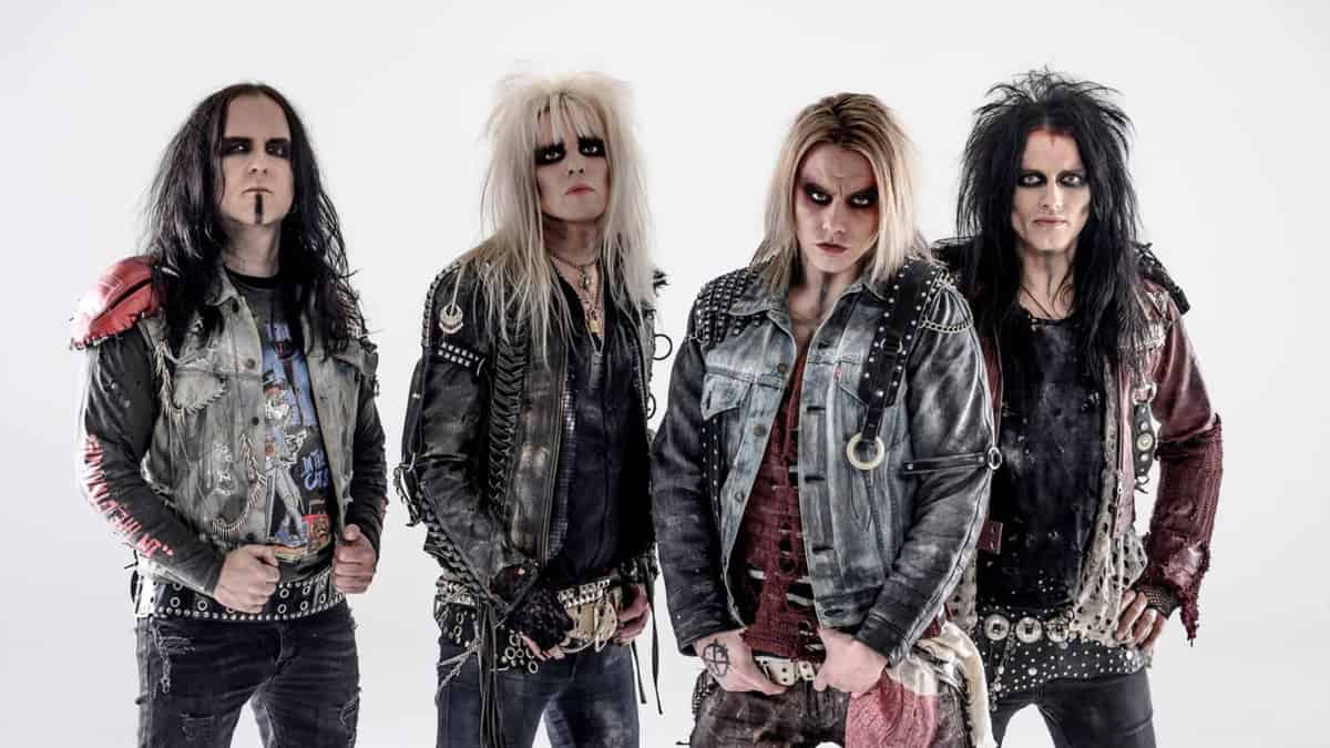 Crashdiet Rock At Night Magazine