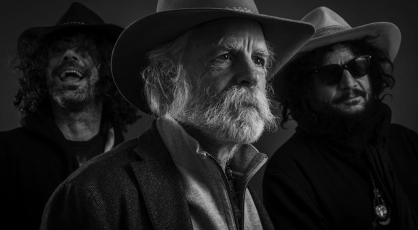 Bob Weir and Wolf Bros. (Photo: Todd F. Michalek)