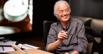 Jimmy Page (Photo: Mark Keraly for Fender)