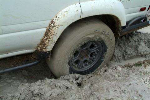 Hutchinson DOT Beadlocks, in the mud... - photo credit: Mike Davidson