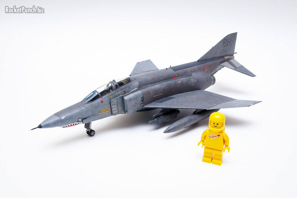 The RF-4C is not that large in 1/72