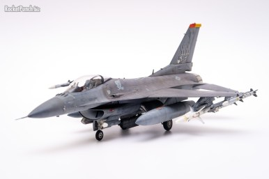 Tamiya 1/72 Lockheed Martin F-16CM Fighting Falcon