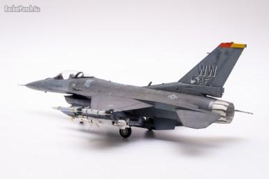 Tamiya 1/72 Lockheed Martin F-16CM Fighting Falcon
