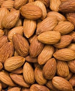 almond oil_almonds