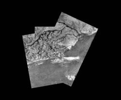 Mosaic of river channel and ridge area on Titan. Credit: ESA/NASA/JPL/University of Arizona