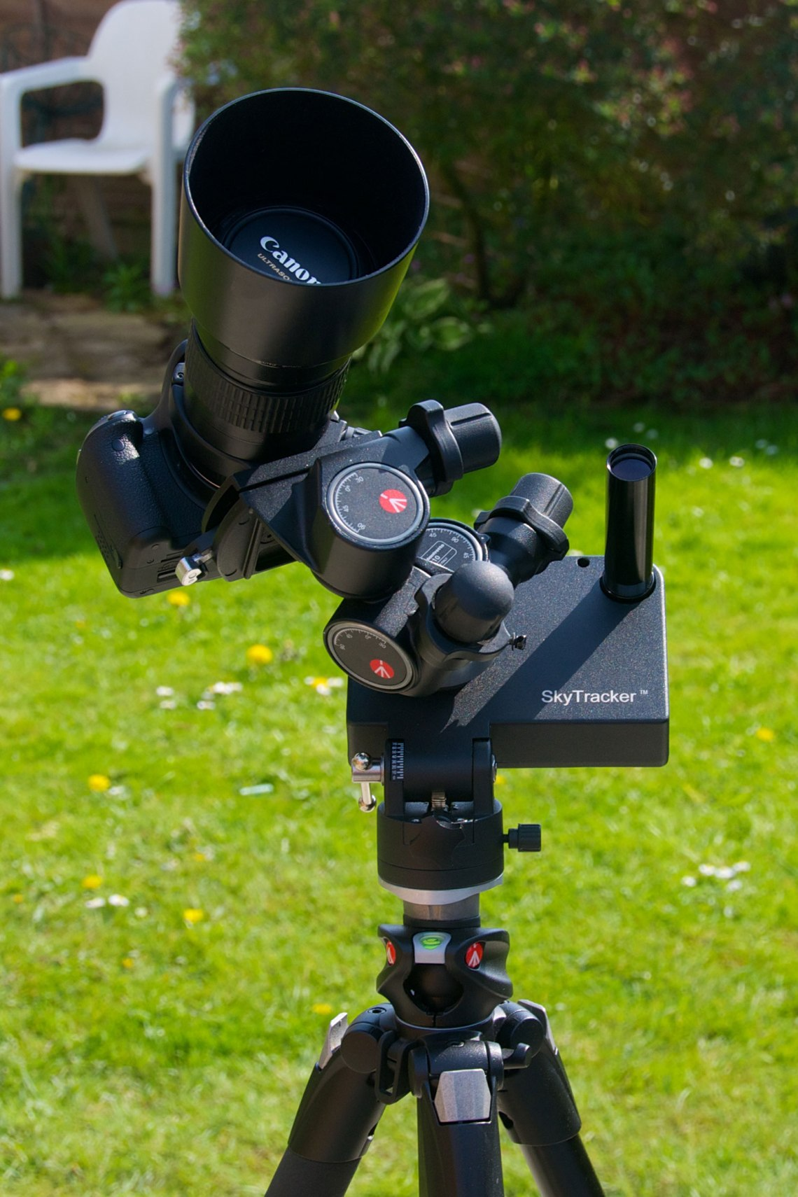 The iOptron SkyTracker is ideal for long exposure imaging with a DSLR camera. Credit: Mike Barrett/www.wired4space.com