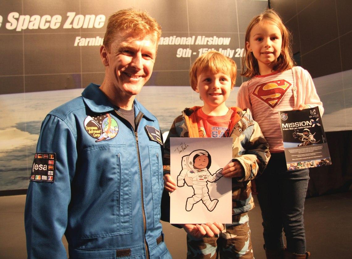 Future space explorers? Kids enjoy some face time with Tim Peake. Credit: ESA