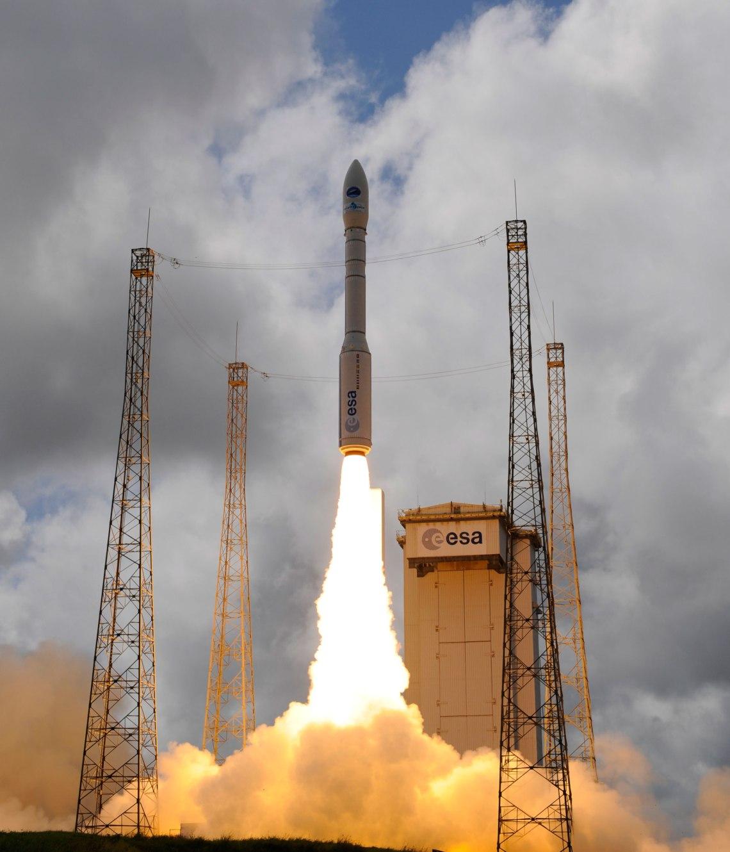 Vega VV04 IXV liftoff. Credit: ESA–S. Corvaja