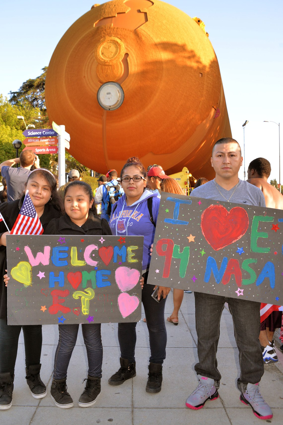 ET-94 received a warm welcome to L.A. as thousands came out to cheer on the space artifact during its move through the city. Credit: Julian Leek/JNN