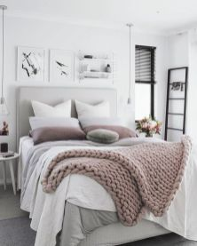 Inspiring Simple And Comfortable Bedroom Design and Layout 50