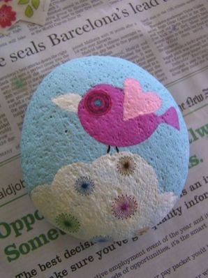 Creative diy painting rock for valentine decoration ideas 14