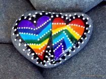 Creative diy painting rock for valentine decoration ideas 21