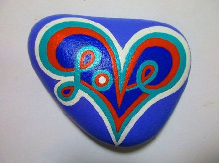 Creative diy painting rock for valentine decoration ideas 53