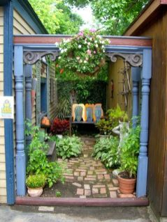 Small courtyard garden with seating area design and layout 41