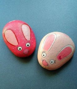 Creative DIY Easter Painted Rock Ideas 31