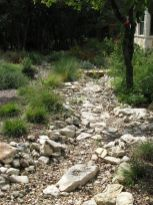 Inspiring Dry Riverbed and Creek Bed Landscaping Ideas 51