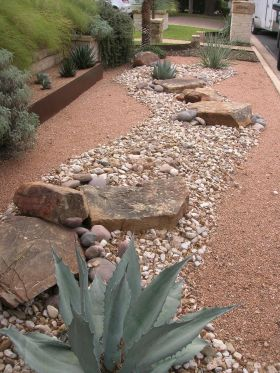 Inspiring Dry Riverbed and Creek Bed Landscaping Ideas 63
