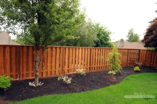 Stunning Privacy Fence Line Landscaping Ideas 16