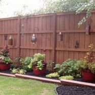 Stunning Privacy Fence Line Landscaping Ideas 48
