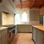 Amazing Brick Floor Kitchen Design Inspirations 35