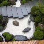 Front Yard and Garden Walkway Landscaping Inspirations 15