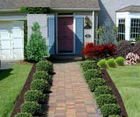 Front Yard and Garden Walkway Landscaping Inspirations 32