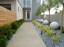 Modern and Contemporary Front Yard Landscaping Ideas 3