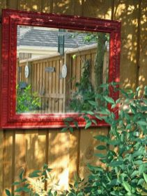 Stunning Creative Fence Ideas for Your Home Yard 11