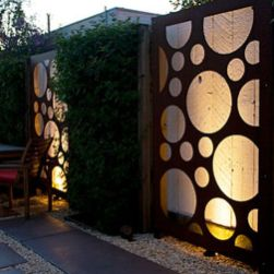 Stunning Creative Fence Ideas for Your Home Yard 30