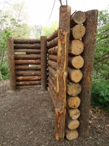 Stunning Creative Fence Ideas for Your Home Yard 60