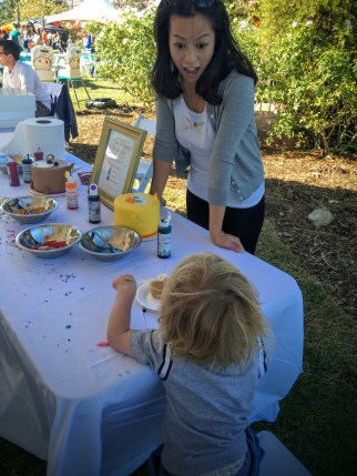 Decorating cupcakes with Bea's Bakeshop at Fall Fest 2015