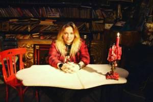 """ELISA C. MARTIN presenta su primer single """"No More"""""""