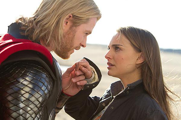 Thor e  a pesquisadora Jane Foster.