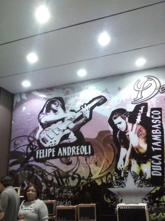 Felipe Andreoli só assim: pintado na parede!