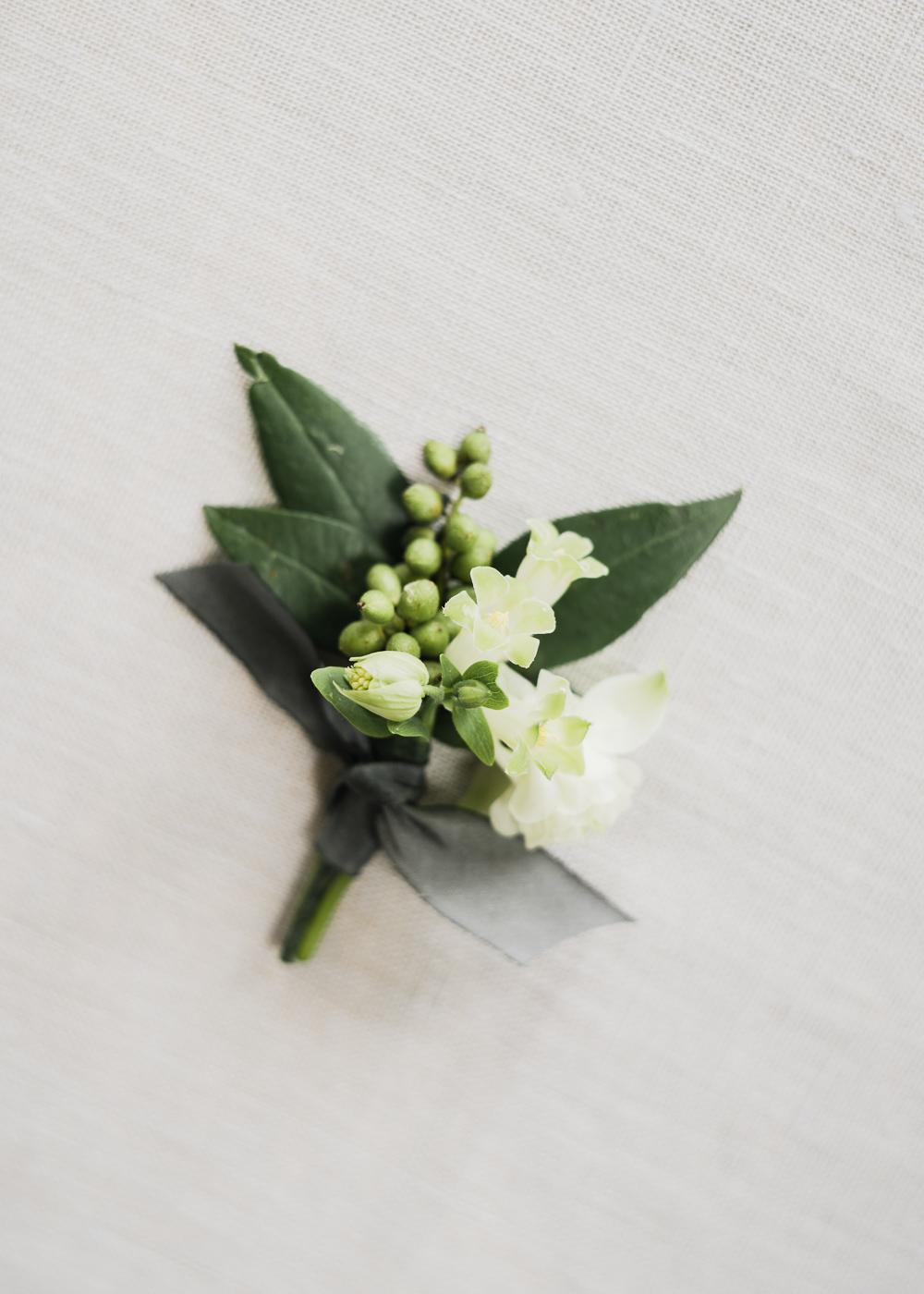 Halfpenny London Elegant Minimal Wedding Inspiration Shoot
