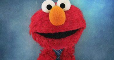 Elmo want new job. [VIDEO]