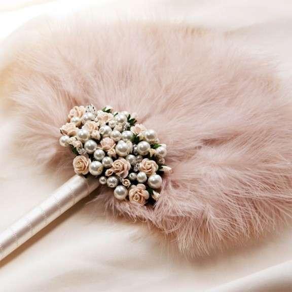Fleur-feather-fan