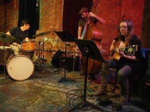 Mary Halvorson Trio v Klubu CD