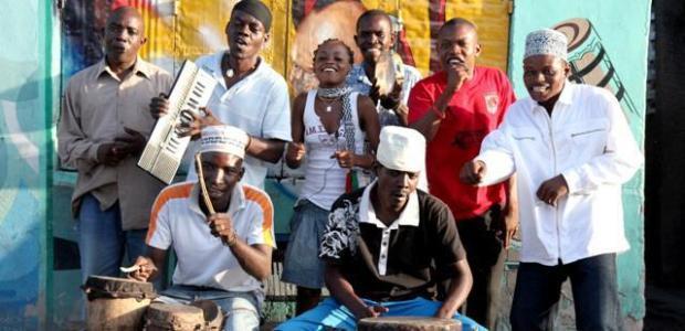 V sodelovanju z organizatorjem vam v nagradni igri poklanjamo 2 x 1 vstopnico za koncert Jagwa Music in Jagwa Music in Aurelio & The Garifuna Soul Band, ki bo 24.5.2012 v Kinu Šiška.