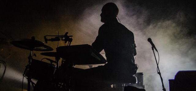 Vsestranski danski glasbeni producent Trentemøller se je prvič ustavil v Sloveniji, s seboj pa pripeljal tudi štiričlansko podporo, ki je razprodano dvorano spravila na noge.