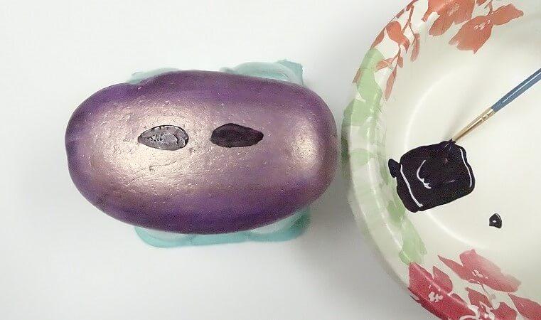 mardi gras mask decorating ideas painted rock