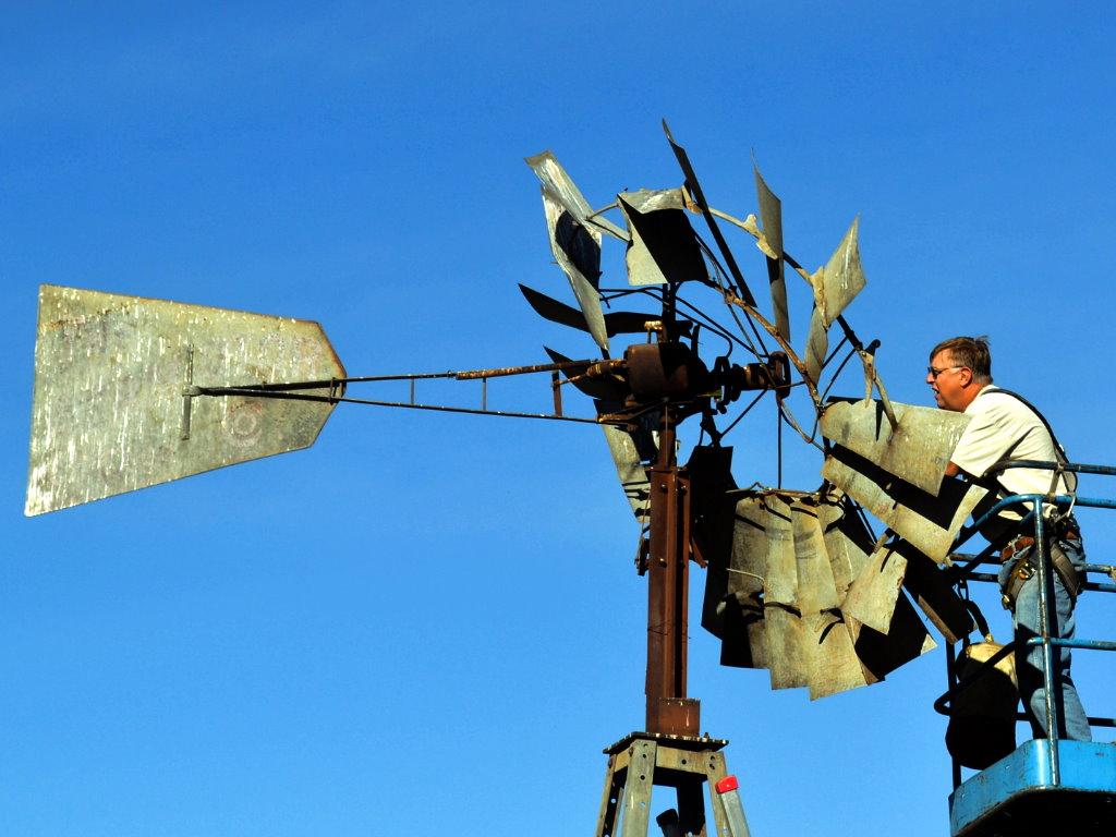 hight resolution of old new windmills failures rock ridge