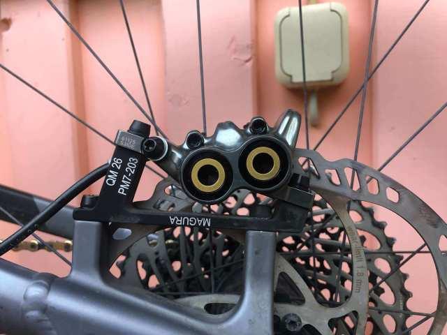 Kurzentlüften deiner Magura MT Bremse - mehr auf rockster.tv