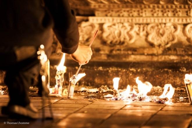On brule des bougies et de l'enscens à longeur de journée