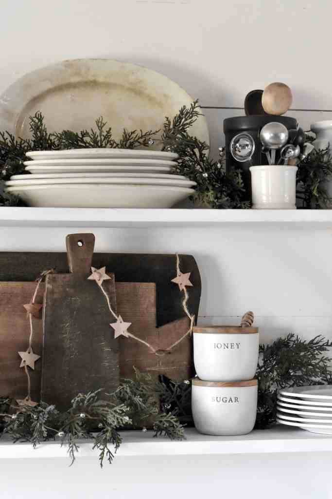 Natural and Simple Christmas Decorations