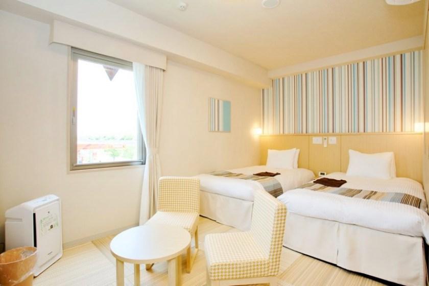 舞濱日和飯店舒適雙人房型,很有日式感: