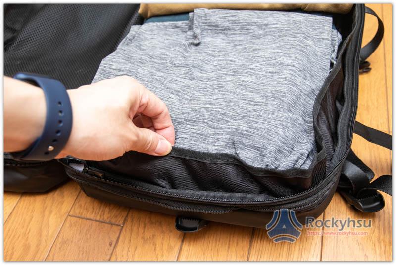 Nayo EXP 後背包主袋衣物試驗